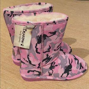 NWT BearPaw Pink Camo Boots